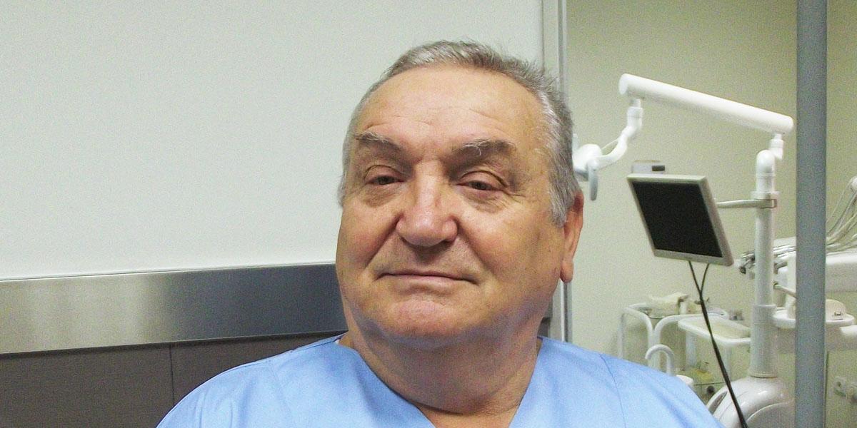 Dr Miroslav Novaković