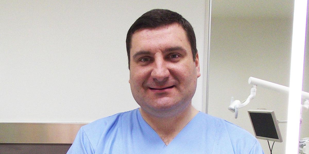 Dr Vojislav Novaković